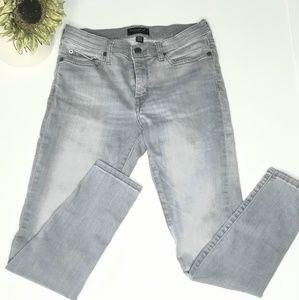 Banana Republic street style gray jeans